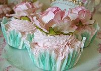 FCC056 Set of 3 Faux Cupcakes - NEW DESIGNS - Mint Base/pale pink rose