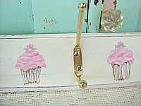HP049 Hand Painted 6 Hook Coat Rack Pink Cupcakes